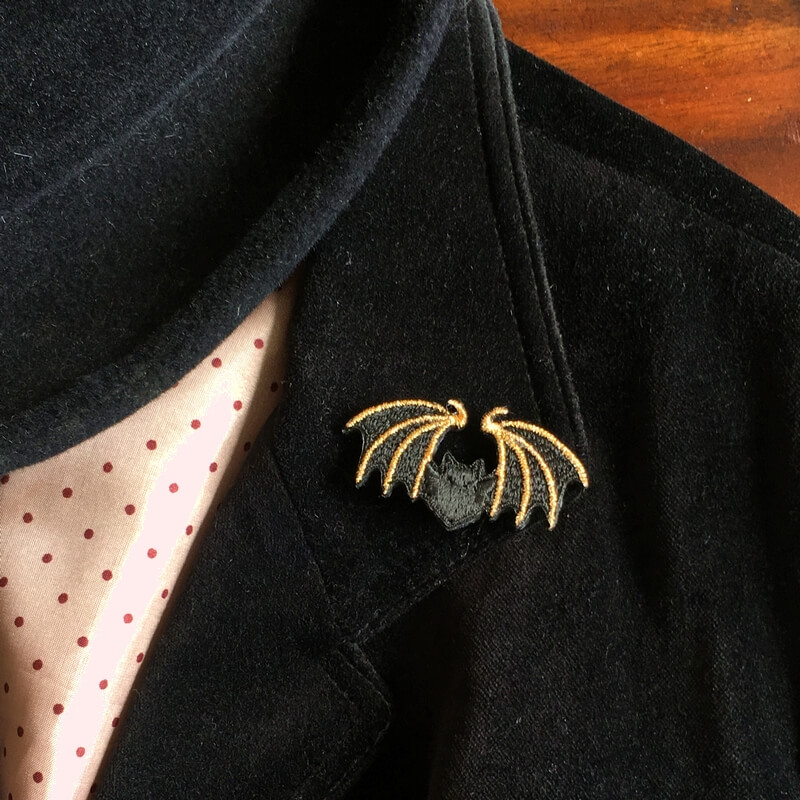コウモリ刺繍ブローチジャケット
