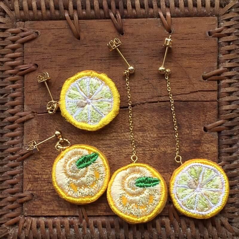 レモン刺繍アクセピアス