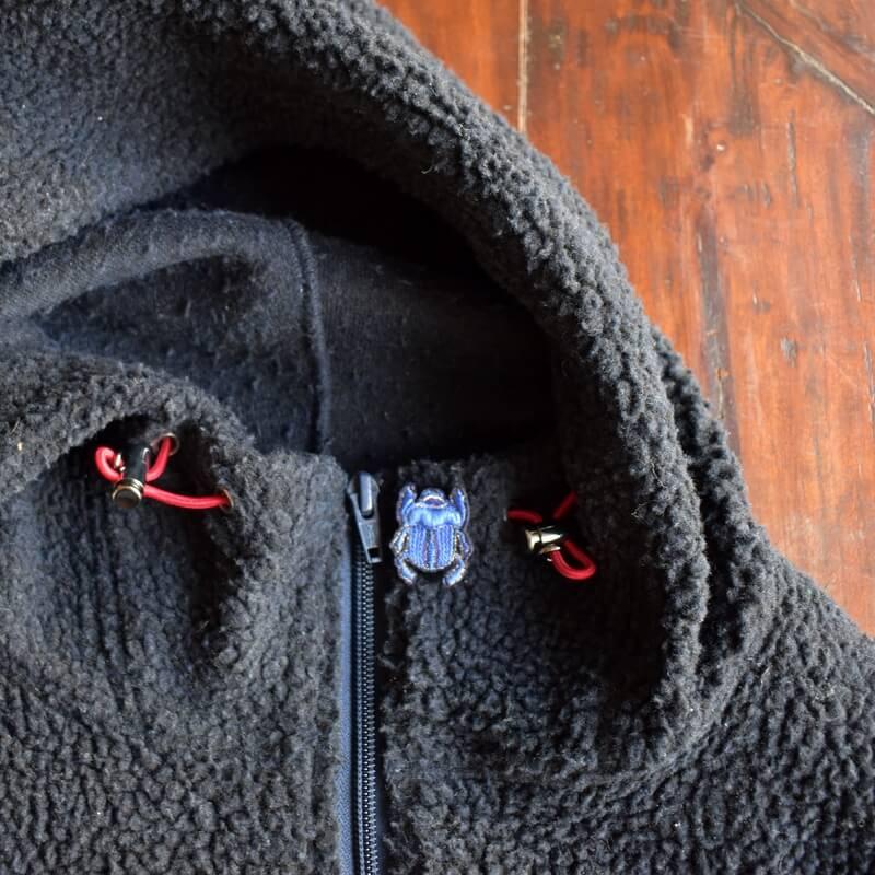 スカラベ刺繍ピンパーカーベスト