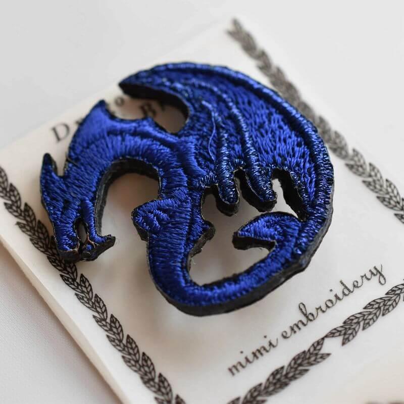 ドラゴン刺繍ブローチマリンブルー