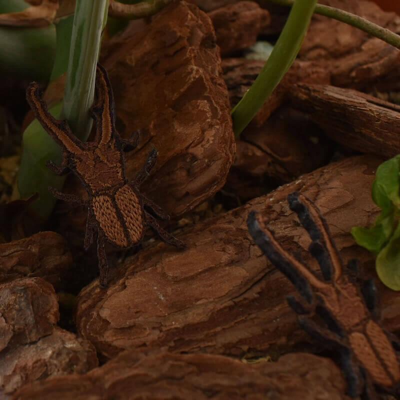 クワガタ刺繍ブローチ植木