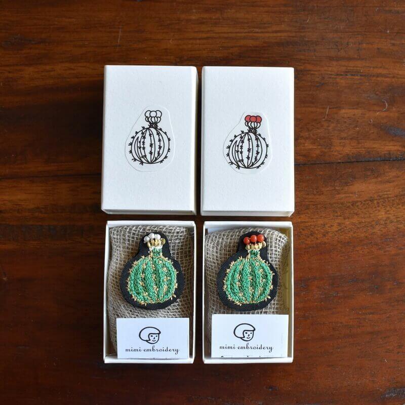 サボテン王冠刺繍ピン2種