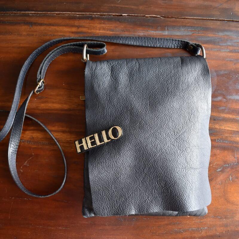 こんにちは[HELLO]刺繍クリップバック