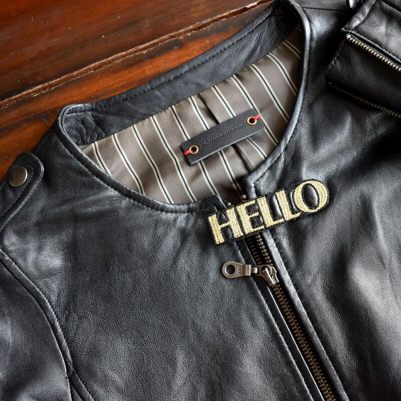 こんにちは[HELLO]刺繍クリップ革ジャン