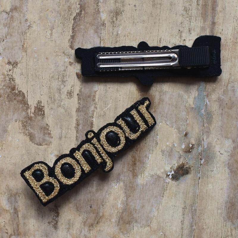 ボンジュール[Bonjour]刺繍クリップ背面と表