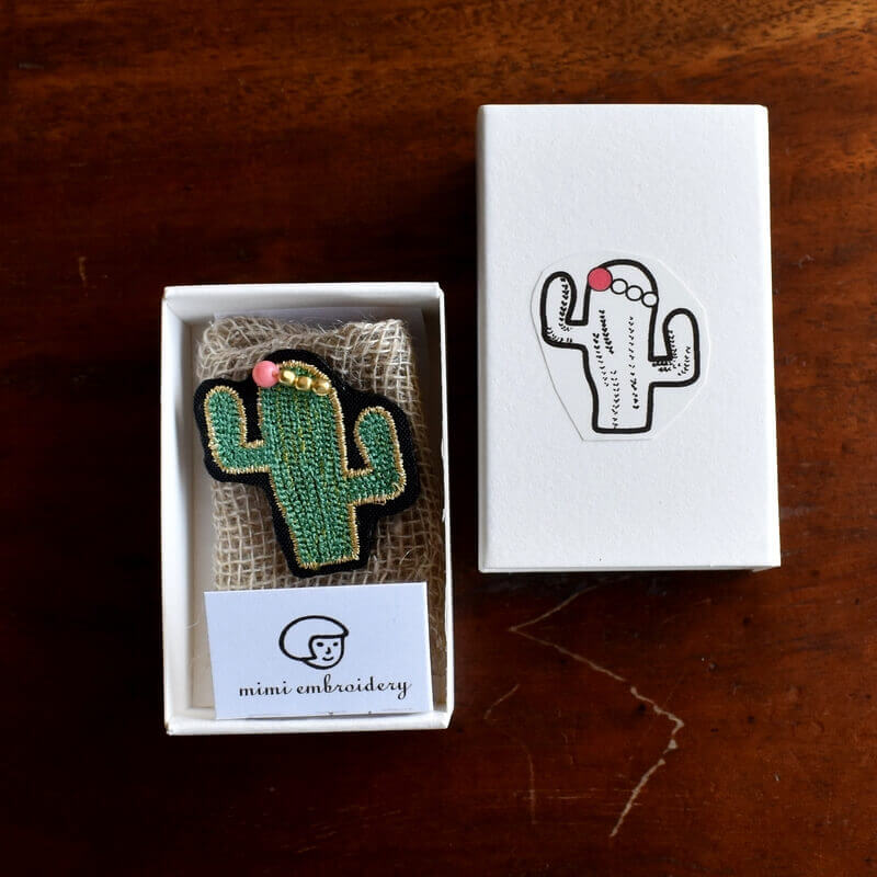 サボテンサンゴ刺繍ピン箱