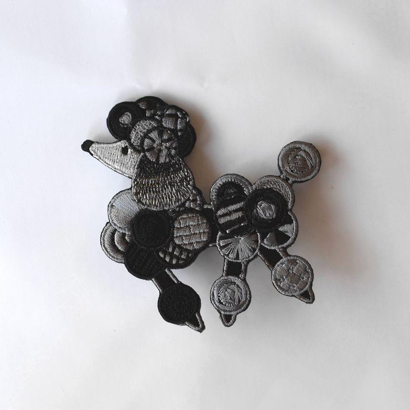 プードル刺繍ブローチ1pブラック