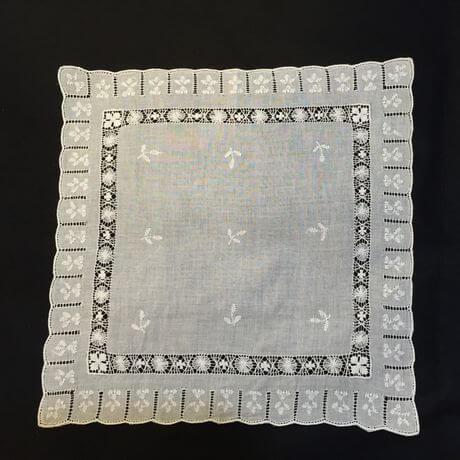 Buranoハンドワーク刺繡ハンカチーフ:スリットスクエアx460