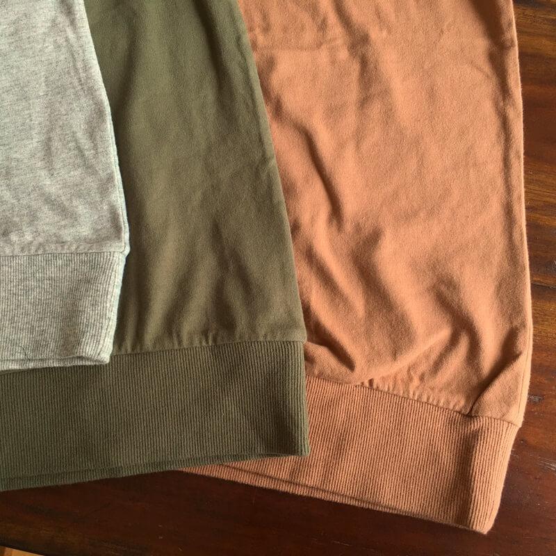 コウモリ刺繍Tシャツ裾