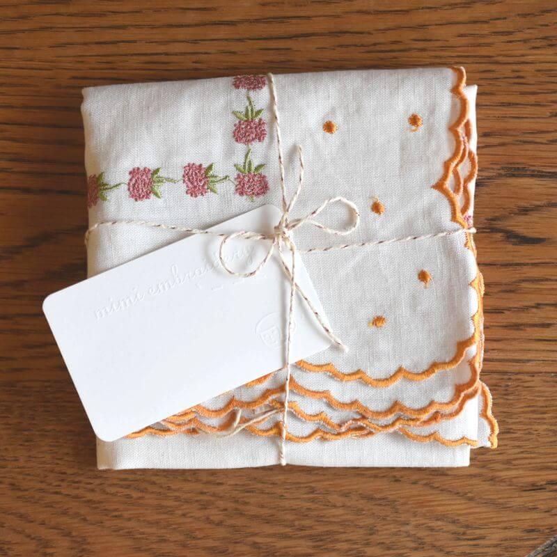 リネン混ハンカチーフ_花刺繍ラッピングメッセージカード付き