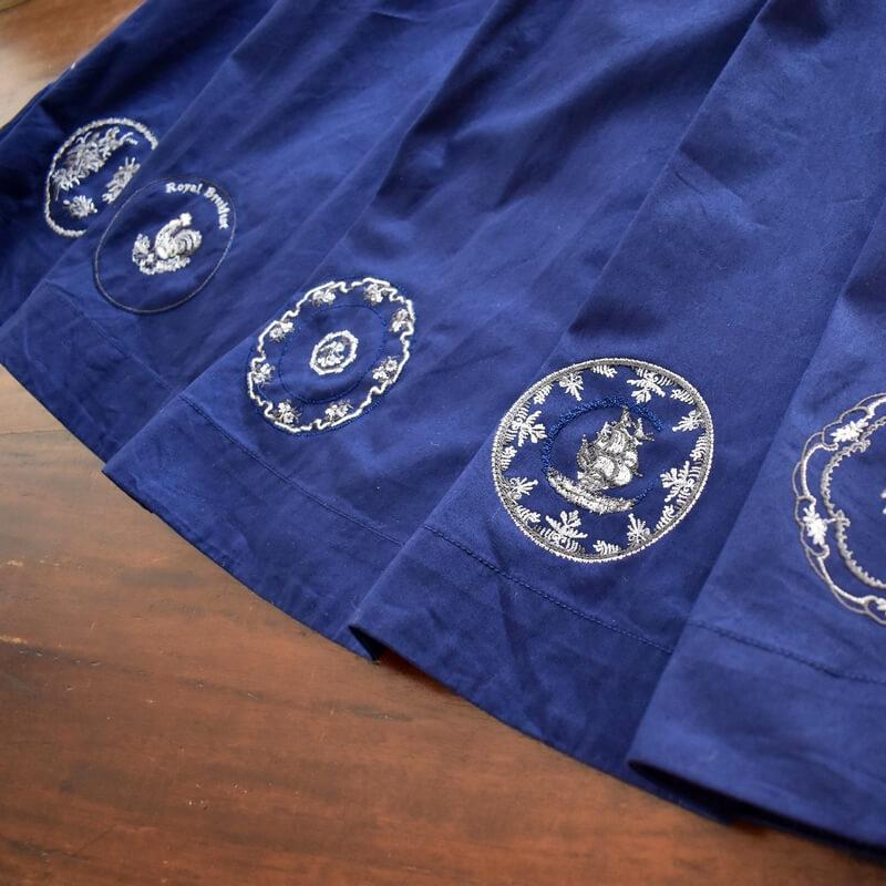 プレート舟刺繍スカート