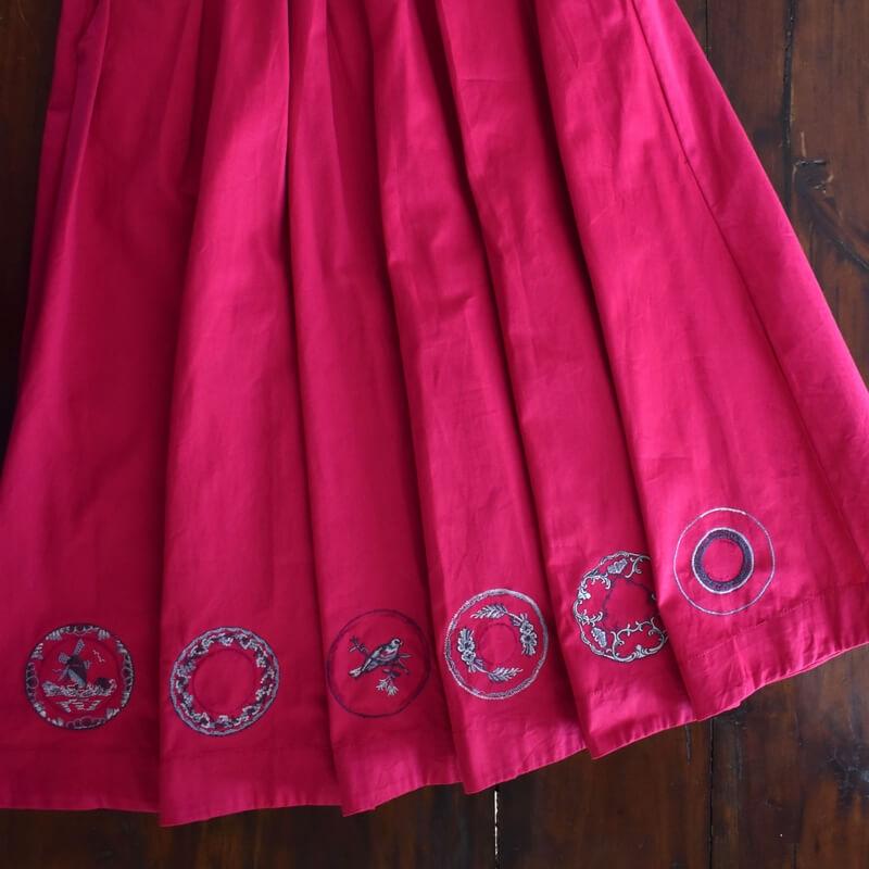 プレート花かご刺繍スカート