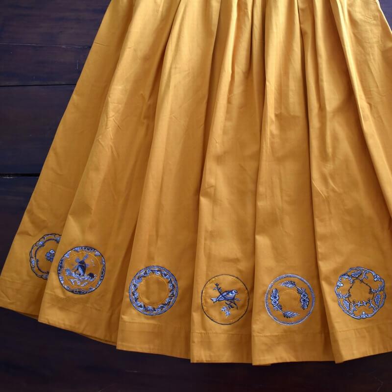 プレート風車刺繍スカート