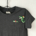 ワニ行進[パラソル]刺繍Tシャツハンガーアップ