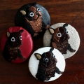 フレンチブルドック[茶]刺繍くるみボタン4種