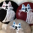 猫へのじ[白]刺繍ボタン/3種アップ