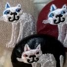 スマイル白ネコ刺繍ボタン/3種アップ