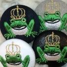 金冠カエルKING38刺繍くるみボタン/アップ4種