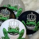 銀冠カエルKING38刺繍くるみボタン/アップ4種