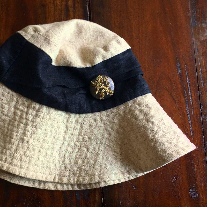 チェコライオン刺繍くるみ38帽子