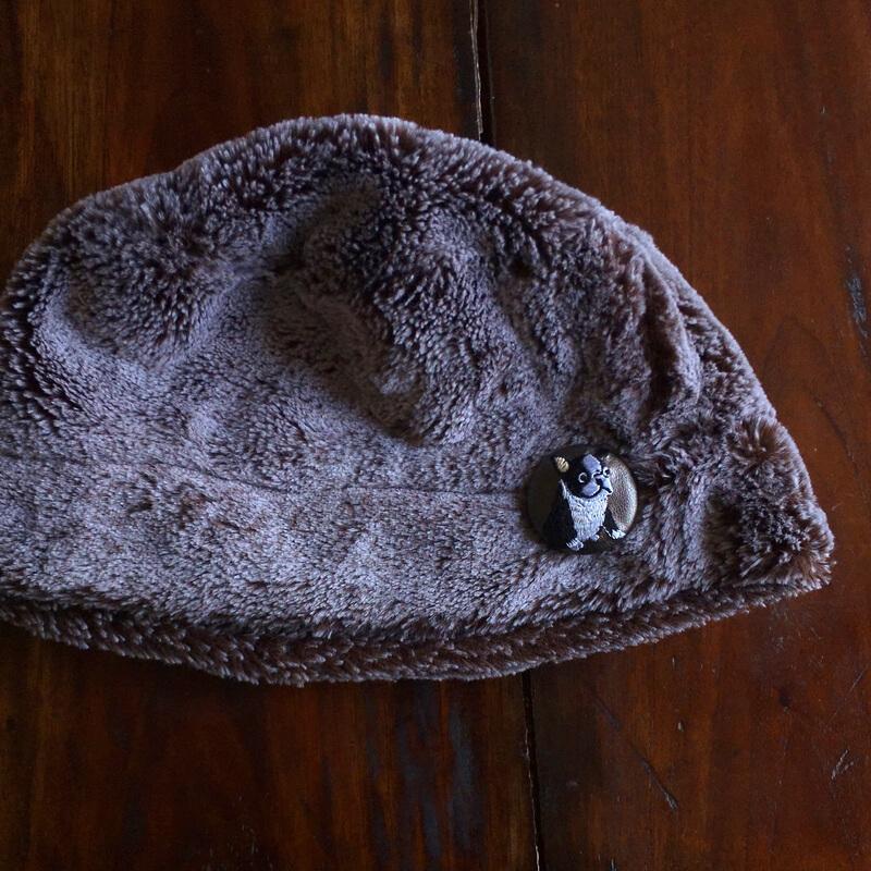 フレンチブルドック38刺繍くるみブローチファー帽子