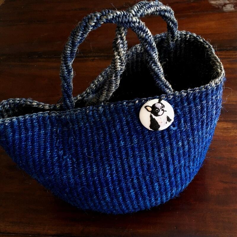 フレンチブルドック38刺繍くるみブローチサイザルバック