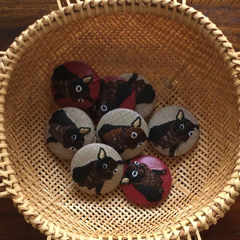 フレンチブルドック38刺繍くるみブローチブラウン集合