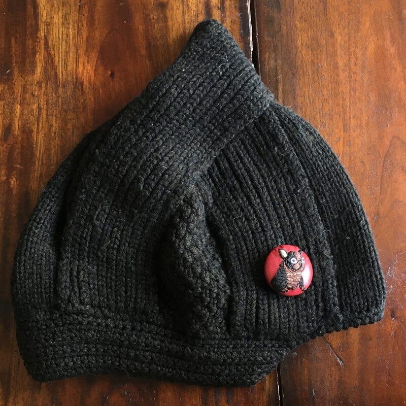 フレンチブルドック38刺繍くるみブローチ黒ニット帽
