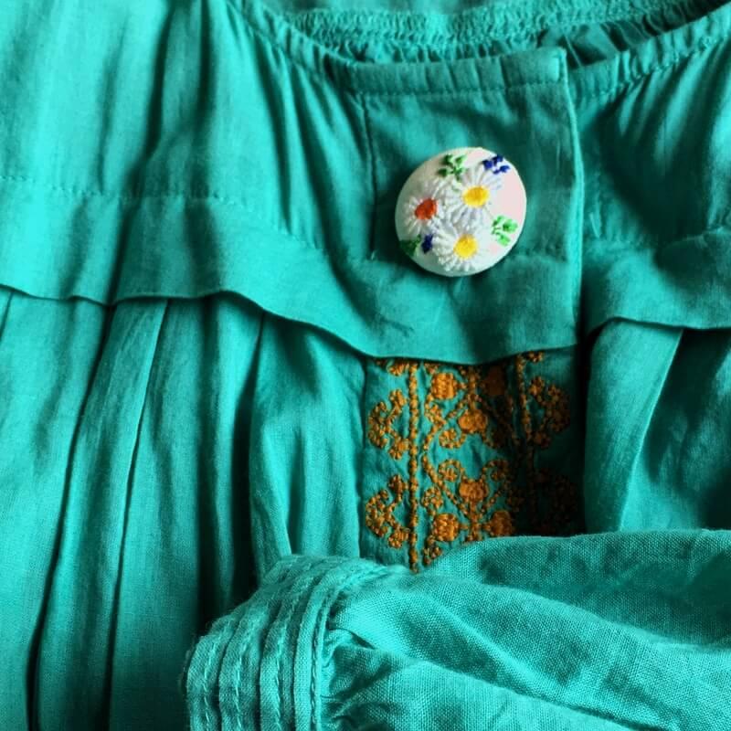 マーガレット29刺繍ボタン緑OP