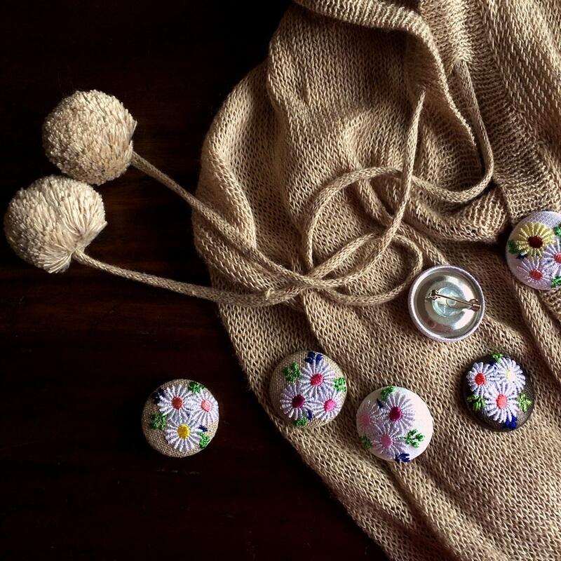 マーガレット29刺繍ボタン麻ワンピ