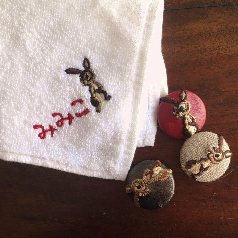 うさぎ29刺繍ボタンハンカチ