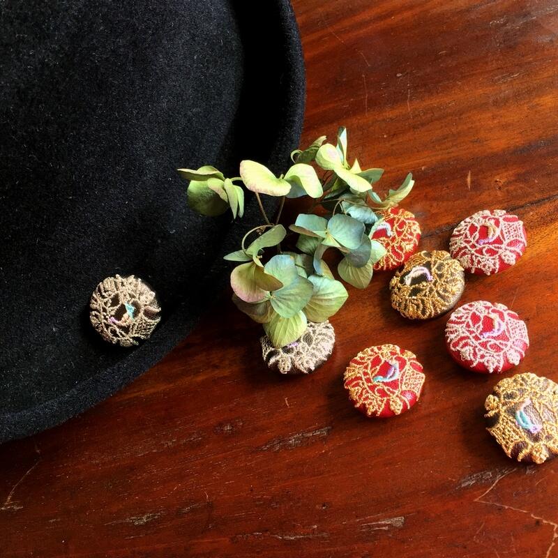 ハンガリー鳥カゴかずら29刺繍ボタン帽子