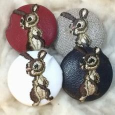 うさぎ[茶]刺繍ボタン4種