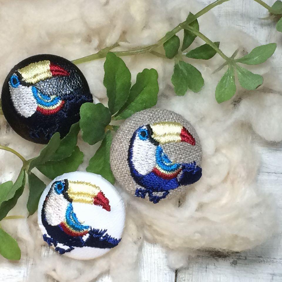 オオハシ刺繍ボタン[紺]葉っぱ