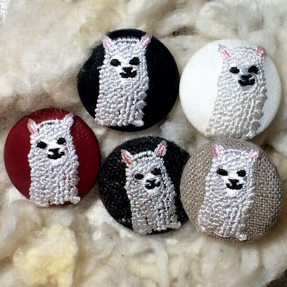 アルパカ[白]刺繡ボタン5種