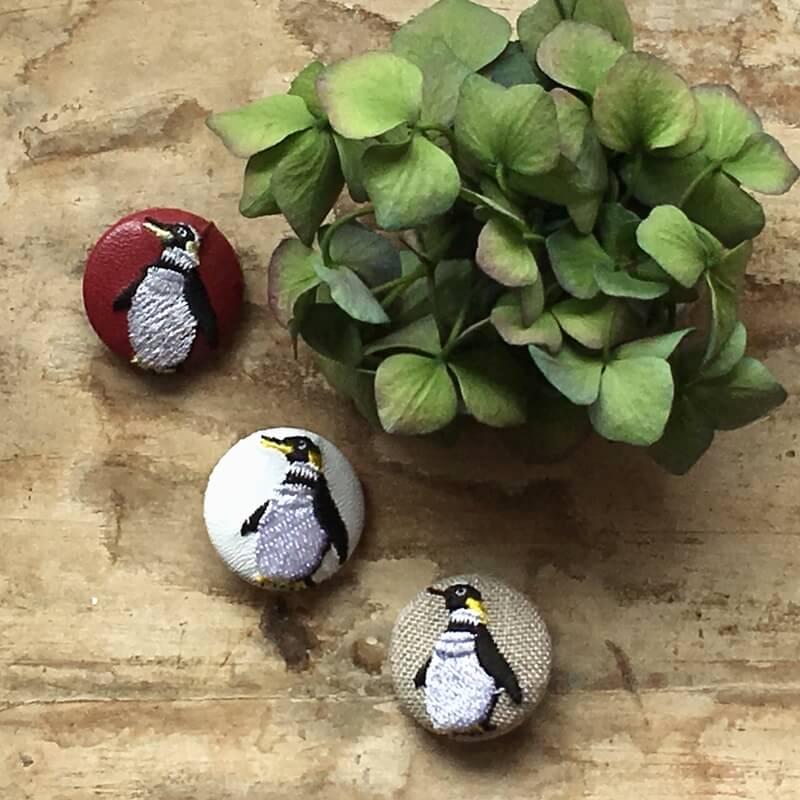 ペンギン29刺繍ボタン左むき