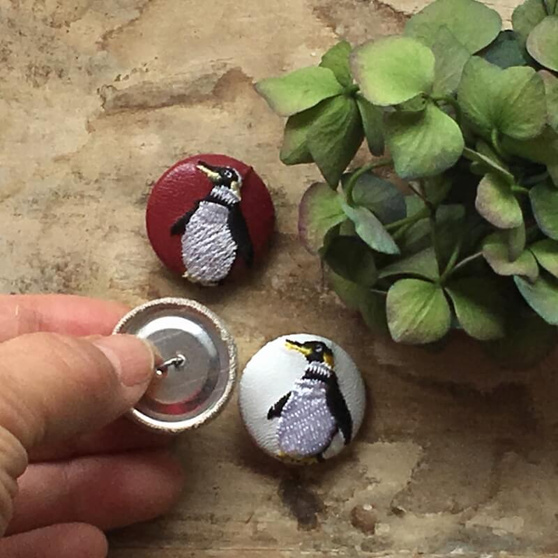 ペンギン29刺繍ボタンハンド