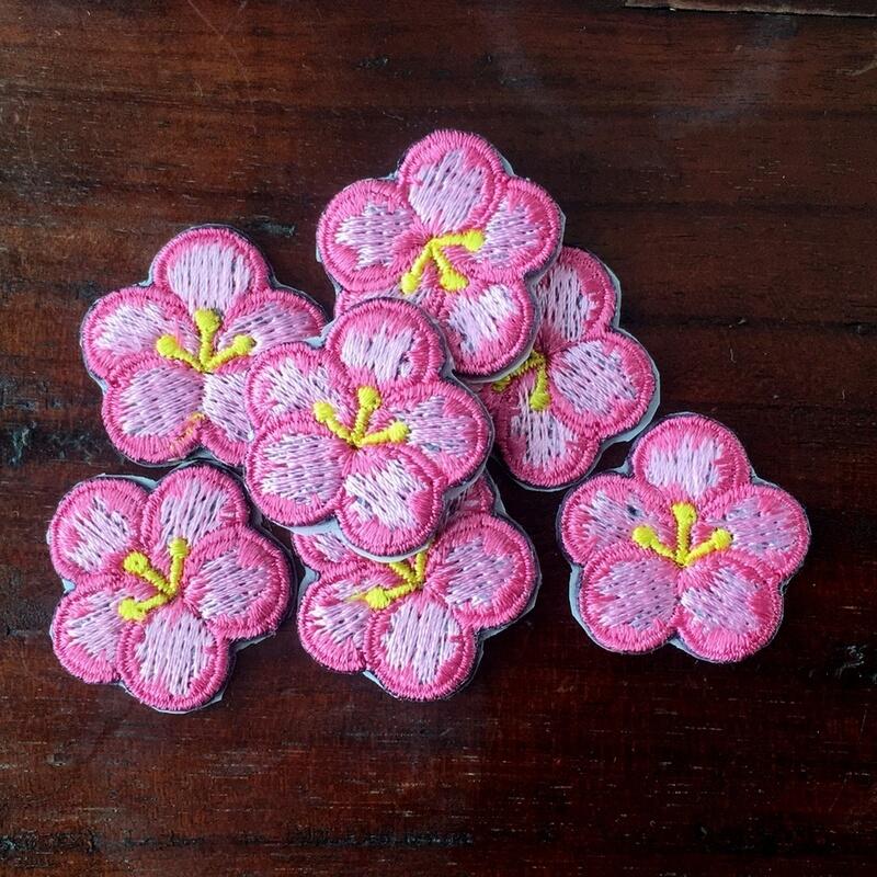 刺繍ワッペン/桃の花全体の花