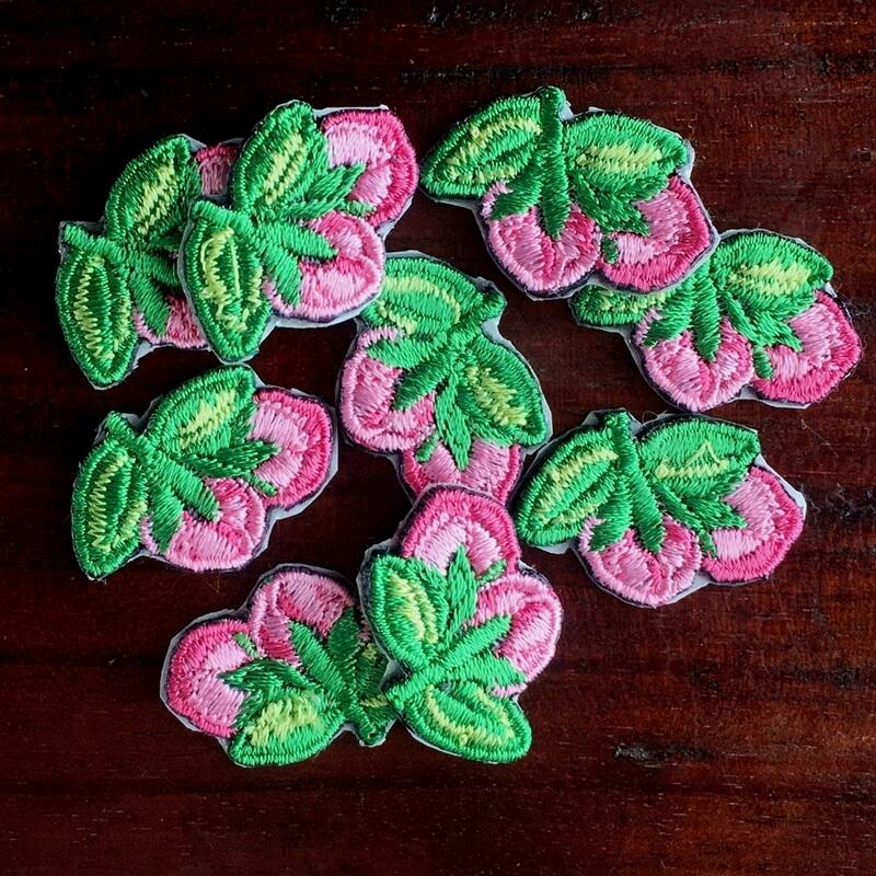 刺繍ワッペン/桃の花蕾全体