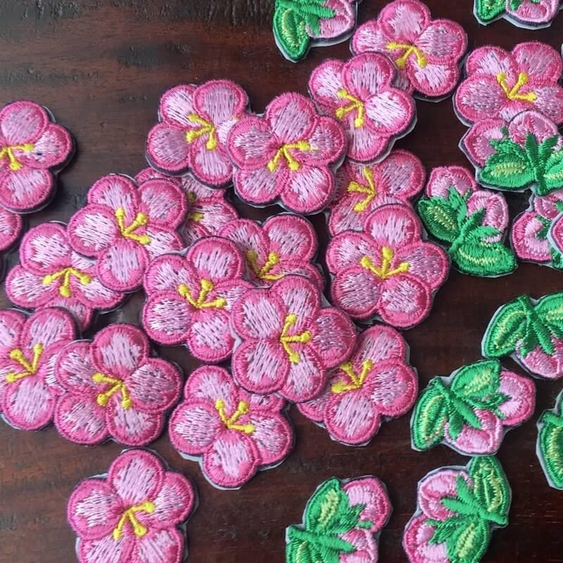 刺繍ワッペン/桃の花沢山