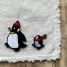 ペンギンの行進刺繍ワッペン/ハンカチの上親子各1羽