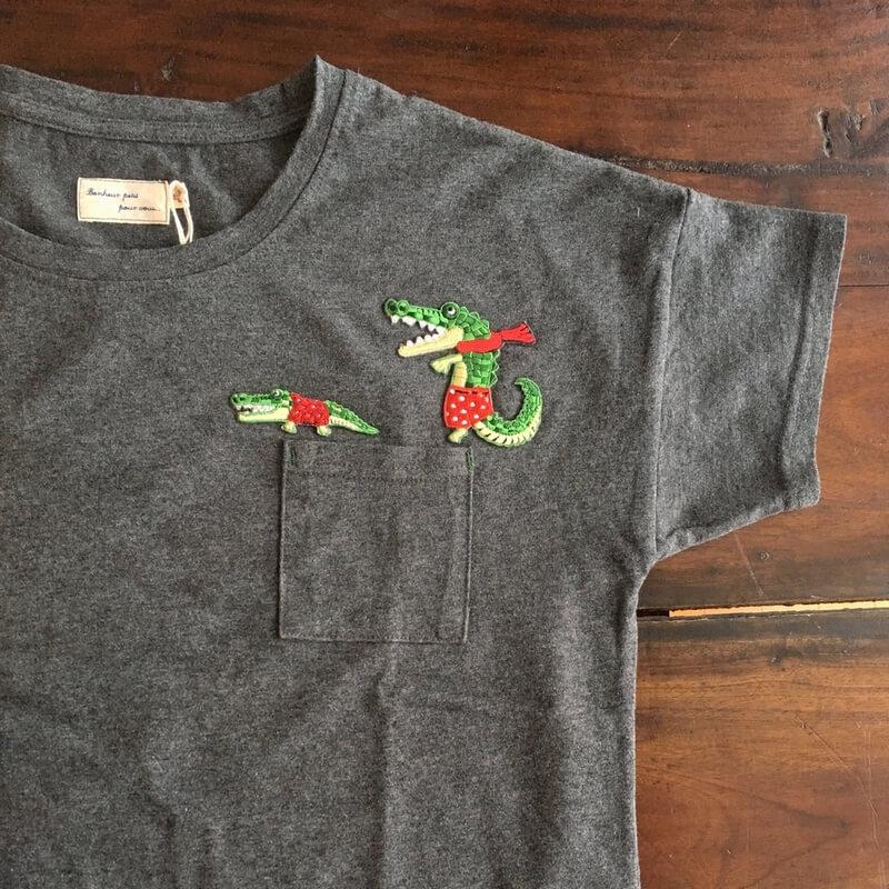 ワニ親子行進刺繍ステッカーワッペン/水玉パンツTシャツ全体
