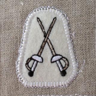フェンシング刺繍トップ