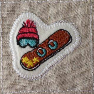 スノーボード刺繍トップ