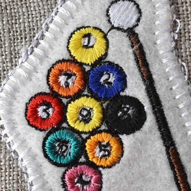 ビリヤード刺繍アップ