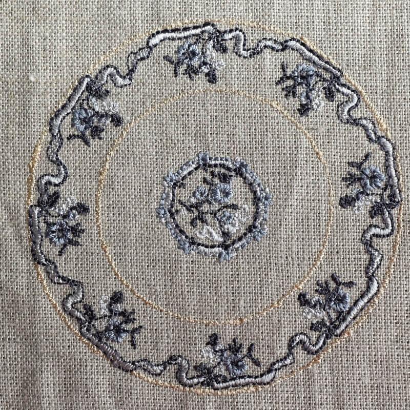 プレートフラワーリボン刺繍大きめサイズ