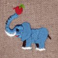 リンゴとゾウさん[動物]刺繍図案デザイン