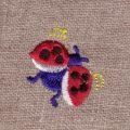 飛ぶてんとう虫[幸せを運ぶ虫]刺繍図案デザイン