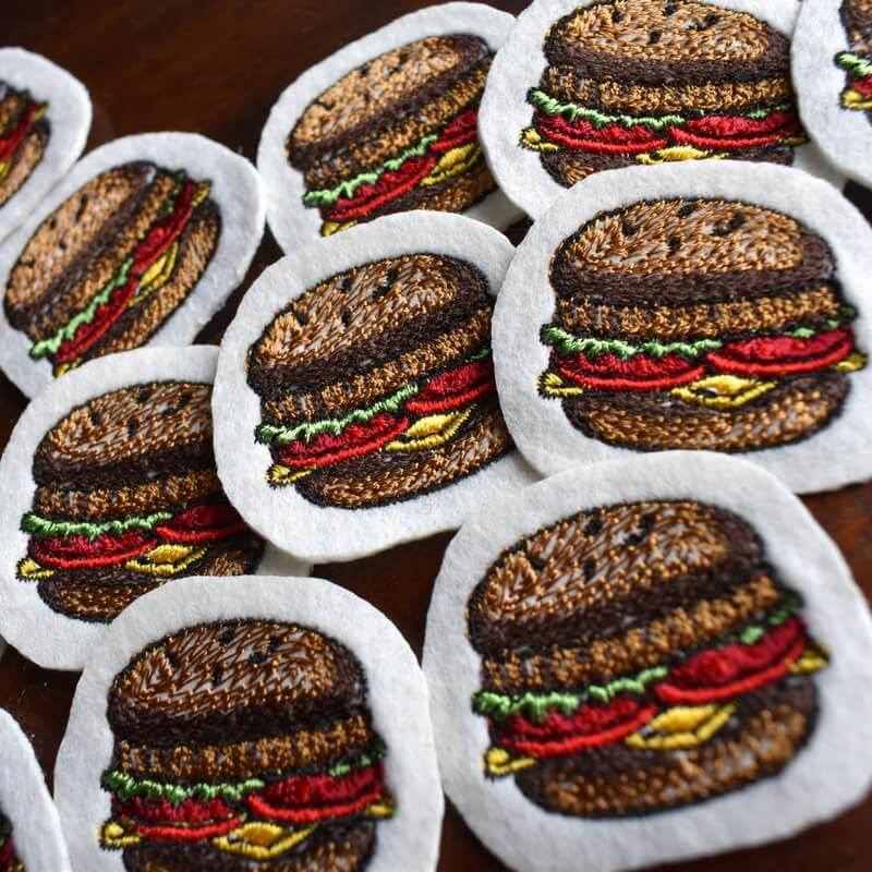 チーズハンバーガー刺繍沢山