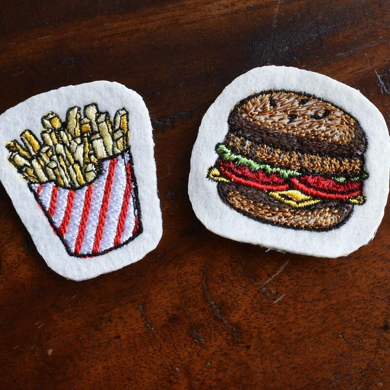 チーズハンバーガー刺繍ポテトLarge